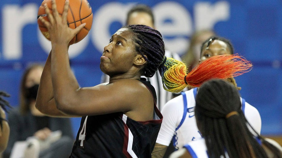 No. 5 South Carolina women rally past No. 10 Kentucky 75-70
