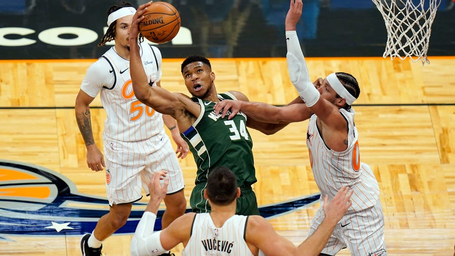 Antetokounmpo, Bucks pull away late to beat Magic 121-99