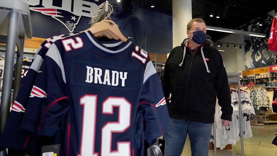 'No Hard Feelings': Patriots fans still rooting for Brady
