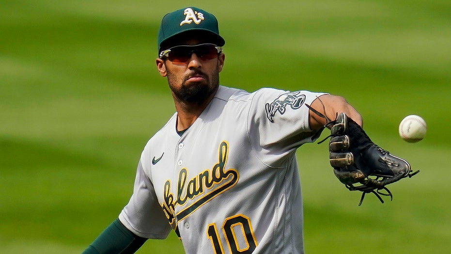 Semien, Blue Jays agree to $18M, 1-year contract