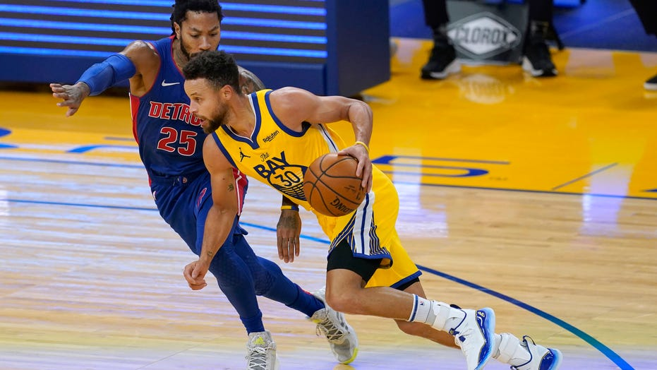 Curry scores 28, Warriors jump on Pistons to win 118-91