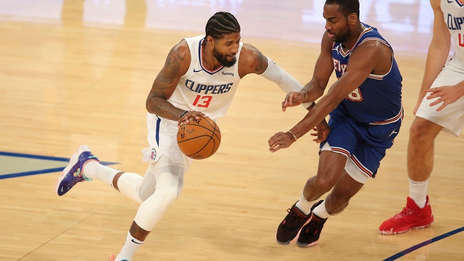 Leonard, Clippers pull away from Knicks for 129-115 win