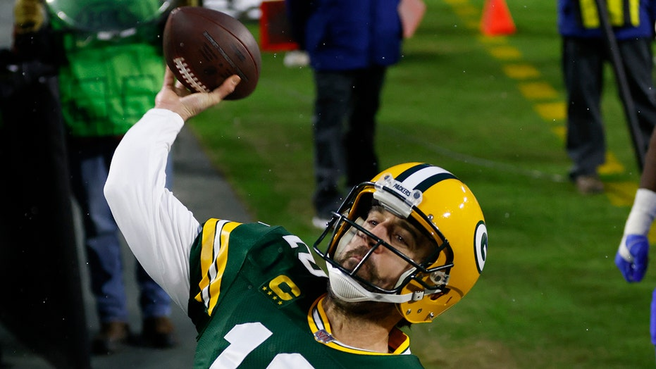 Packers back in NFC Championship game after pull away from Rams