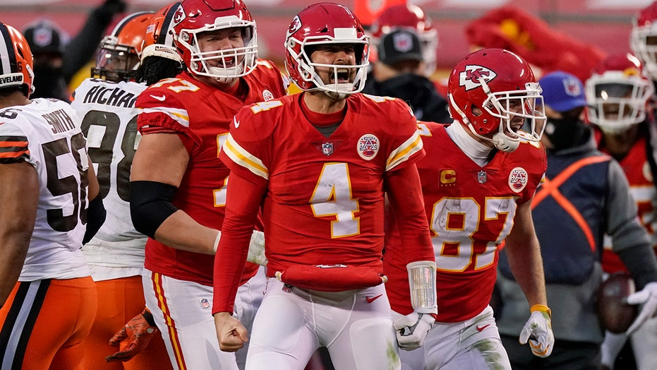 Chiefs' Chad Henne missed trending hashtag after win over Browns in playoffs