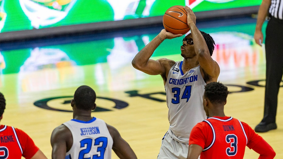 No. 7 Creighton routs St. John's 97-79 without Zegarowski