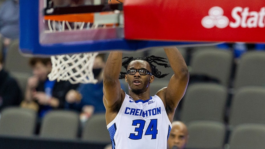 Mahoney scores 20, leads No. 11 Creighton past No. 23 UConn