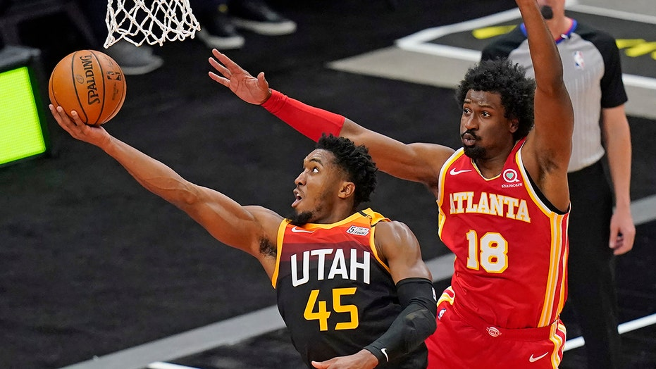 Mitchell scores 26, Jazz use 21-0 run to beat Hawks 116-92