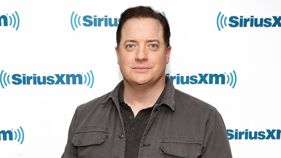 Brendan Fraser to play 600-pound recluse in Darren Aronofsky's 'The Whale': 报告