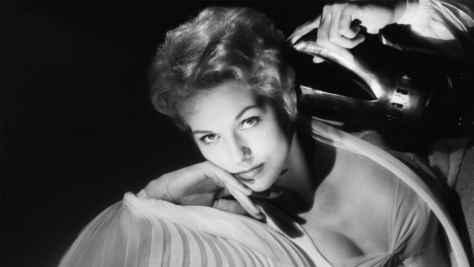 Kim Novak explains why she left Hollywood: 'I felt like I was losing myself'