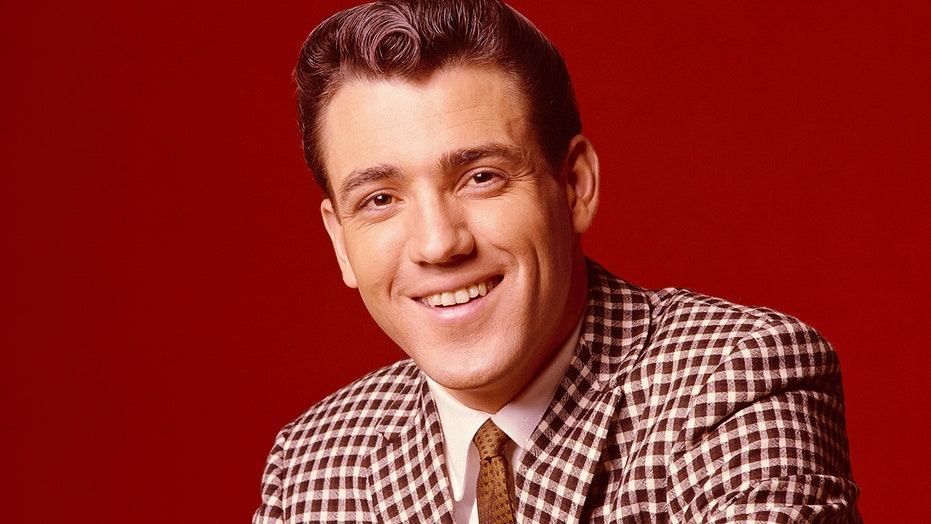 吉米·罗杰斯(Jimmie Rodgers), 蜂窝歌手, 死于 87