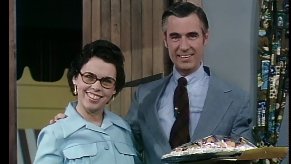 Joanne Rogers, TV icon Mr. Rogers' widow, dead at 92