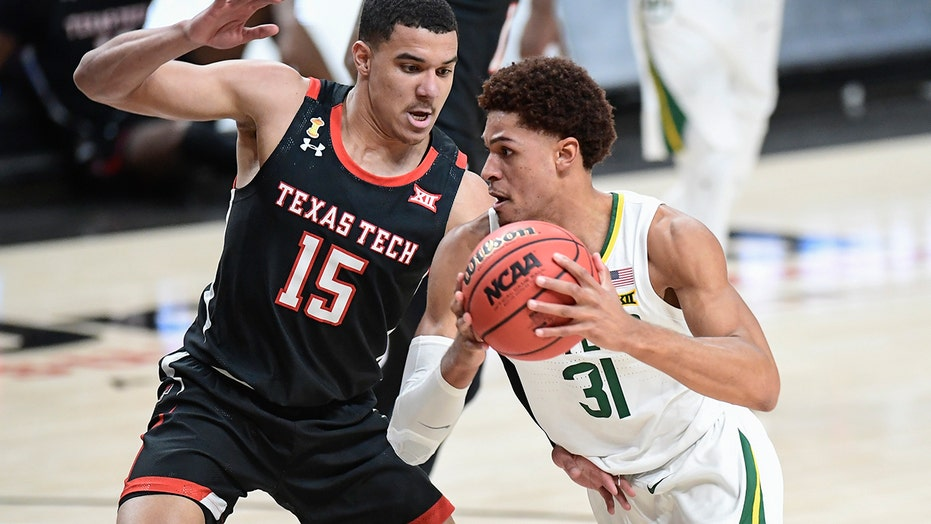 No. 2 Baylor up to 12-0 after 68-60 win at No. 15 Texas Tech