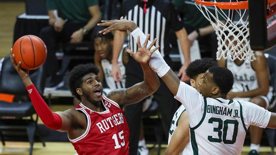 Rutgers sbalordisce lo stato del Michigan 67-37, 1prima vittoria sugli Spartani