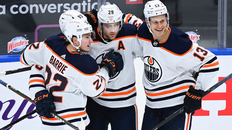Draisaitl breaks 3rd-period tie, Oilers beat Maple Leafs 3-1