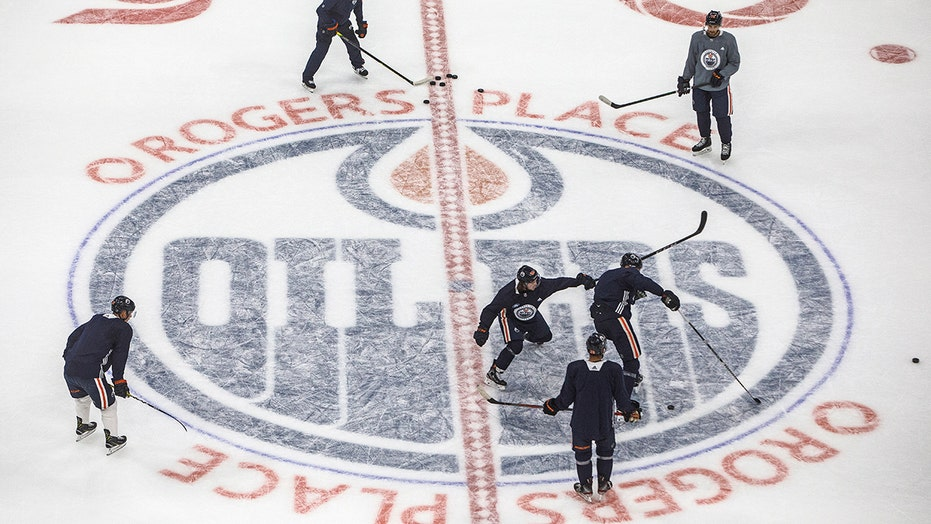 Canada approves NHL camps, but provinces must rule on games