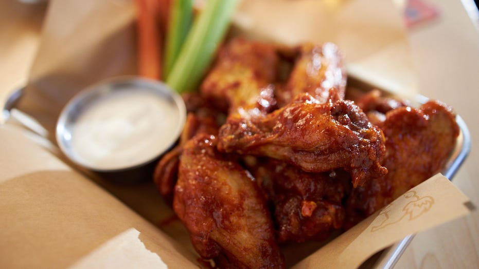 Buffalo Wild Wings offering free wings for America if Super Bowl goes into overtime