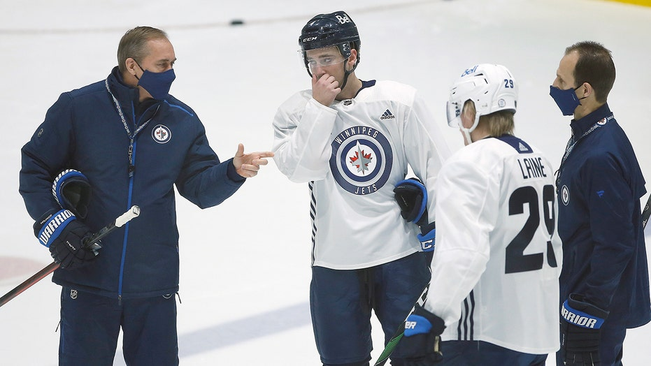 Taxi! NHL taxi squads to help teams stay on ice in pandemic
