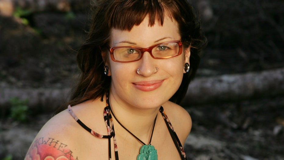 'Survivor' contestant Angie Jakusz dead at 40