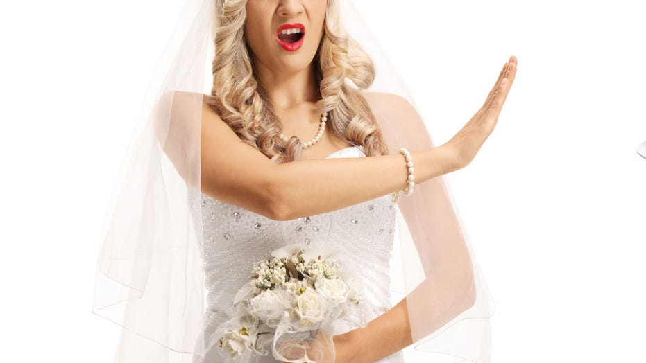 Bride says sister-in-law has to wear baggy dress to wedding or she can't come
