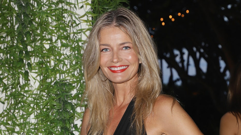 Paulina Porizkova, 55, and her mom, 74, show off their abs in workout gear