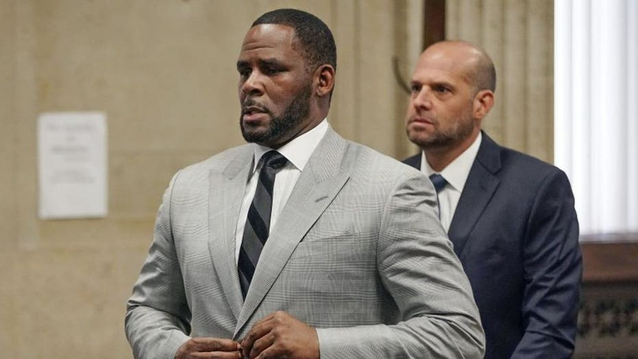 R. Kelly extradited from Chicago to New York to face sex-trafficking trial