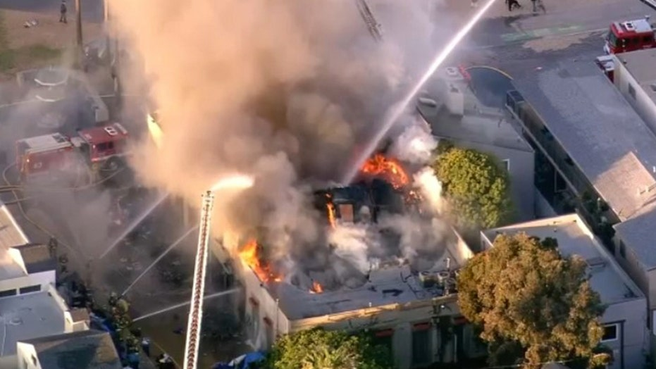 Firefighters battle Venice Beach blaze that started in homeless encampment: report