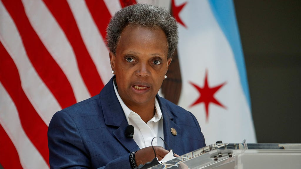 Chicago's Lightfoot defends only speaking to reporters of color