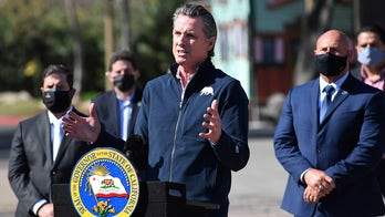 Newsom posts TikTok inside restaurant with celebrity in county where indoor dining is banned