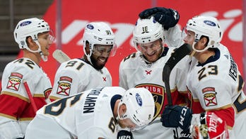 Patric Hornqvist scores twice, Panthers rout Red Wings 7-2