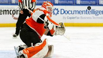 Elliott stops 23 shots in Flyers' 3-0 win over Sabres