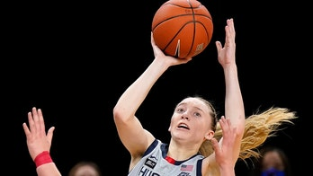 No. 3 UConn bounces back, rolls by No. 17 DePaul 100-67