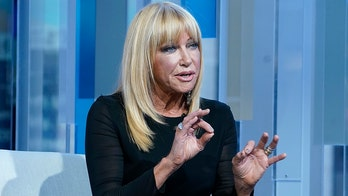 Suzanne Somers sells Palm Springs compound, moving into new 'sexy' and eco-friendly home