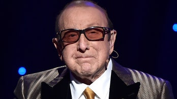 Clive Davis Bell's palsy diagnosis: What to know about the condition