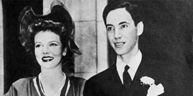 Elissa Landi married Curtis Thomas in 1943.
