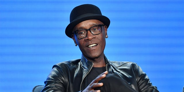 Don Cheadle is starring in a new commercial alongside his lookalike brother Colin for Michelob ULTRA Organic Seltzer.