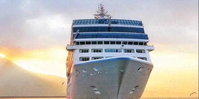Du thuyền vòng quanh thế giới  OceaniaCruise
