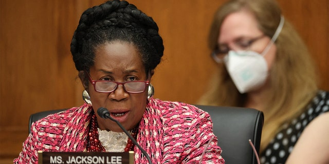 WASHINGTON, DC - SEPTEMBER 17: House Homeland Security Committee member Rep. Shelia Jackson Lee (D-TX) questions witnesses during a hearing on 'worldwide threats to the homeland' in the Rayburn House Office Building on Capitol Hill September 17, 2020 in Washington, DC. Photo by Chip Somodevilla/Pool/ABACAPRESS.COM