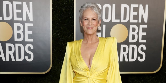 Jamie Lee Curtis' Golden Globes ensemble goes viral: 'Looking great'.jpg