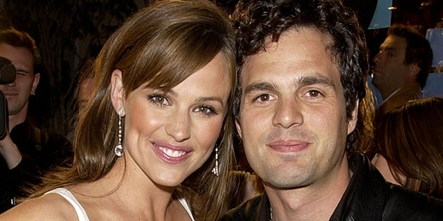 """Jennifer Garner and Mark Ruffalo during the """"13 Going on 30"""" premiere in 2004."""