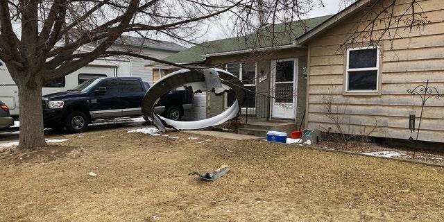 USA flight suffers engine issue mid-flight, scatters debris across Colorado city