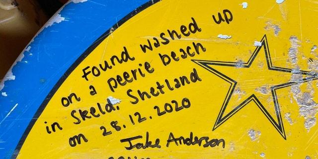На наступний день після того, як Ріізе та Андерсон розмістили інформацію про свою дошку для серфінгу у Facebook, вони звернулись до власника дошки Лі Брогана.