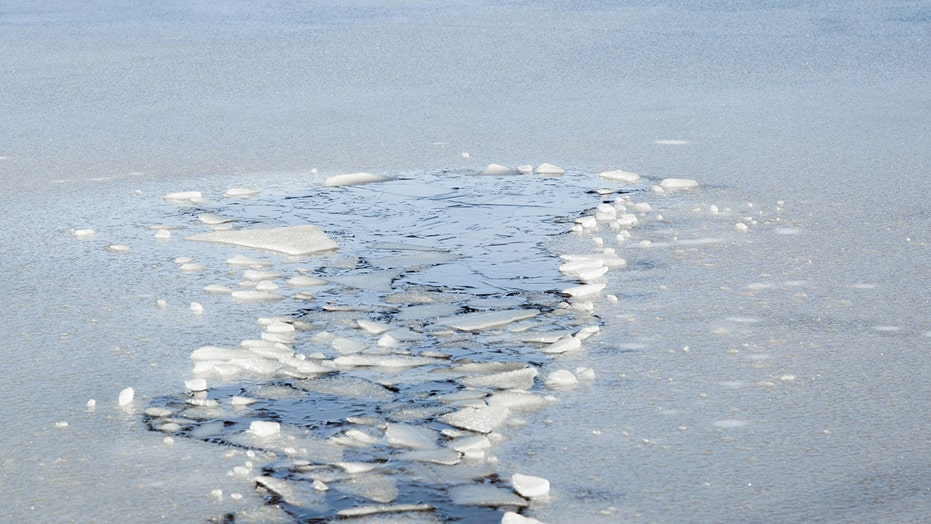 Minnesota ice fishermen rescued by fellow angler after truck falls into frozen lake
