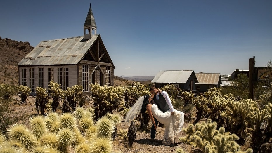 Desert 'ghost town' sees wedding boom during coronavirus pandemic