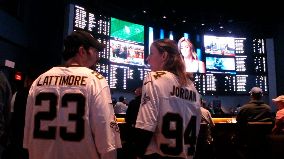 Virus may reduce total Super Bowl bets, but online to surge