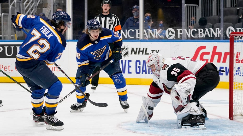 Blues defeat Coyotes 4-3, extend winning streak to 4 games
