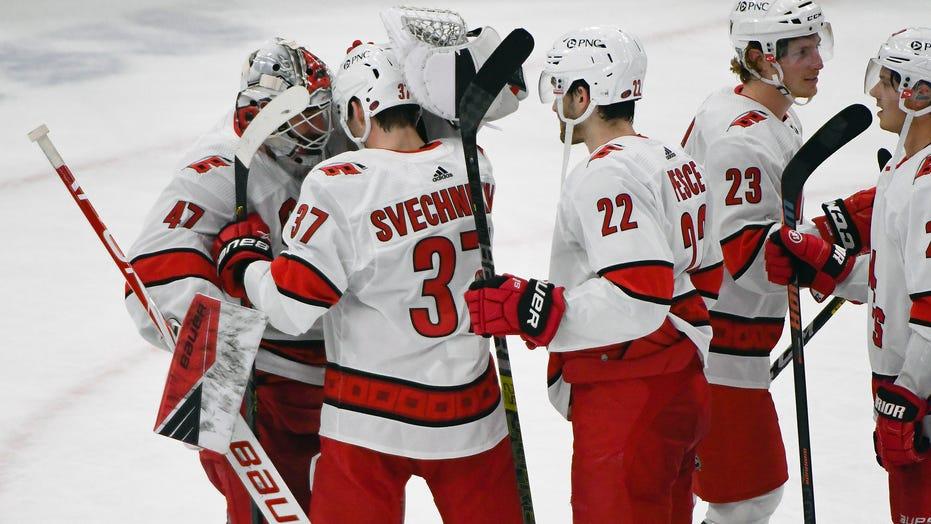 Svechnikov, Hurricanes beat Blackhawks 4-3 in shootout