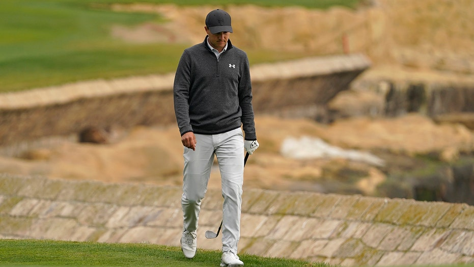 Column: Unable to 'fail in the dark,' Spieth seeing light