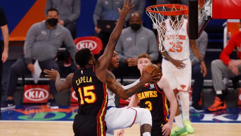 Randle scores 44 points, Knicks beat slumping Hawks 123-112