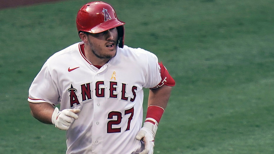 Angels' Mike Trout hears his playoff clock ticking