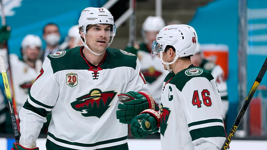 Wild's Marcus Foligno calls refs to breakup fight with Sharks' Nikolai Knyzhov: 'I thought it was enough'
